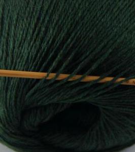 tn_cashmere fingering yarn hunter green 620